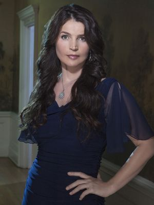 Witches of East End: Julia Ormond ist Joanna Beauchamp - Bildquelle: Twentieth Century Fox Film Corporation