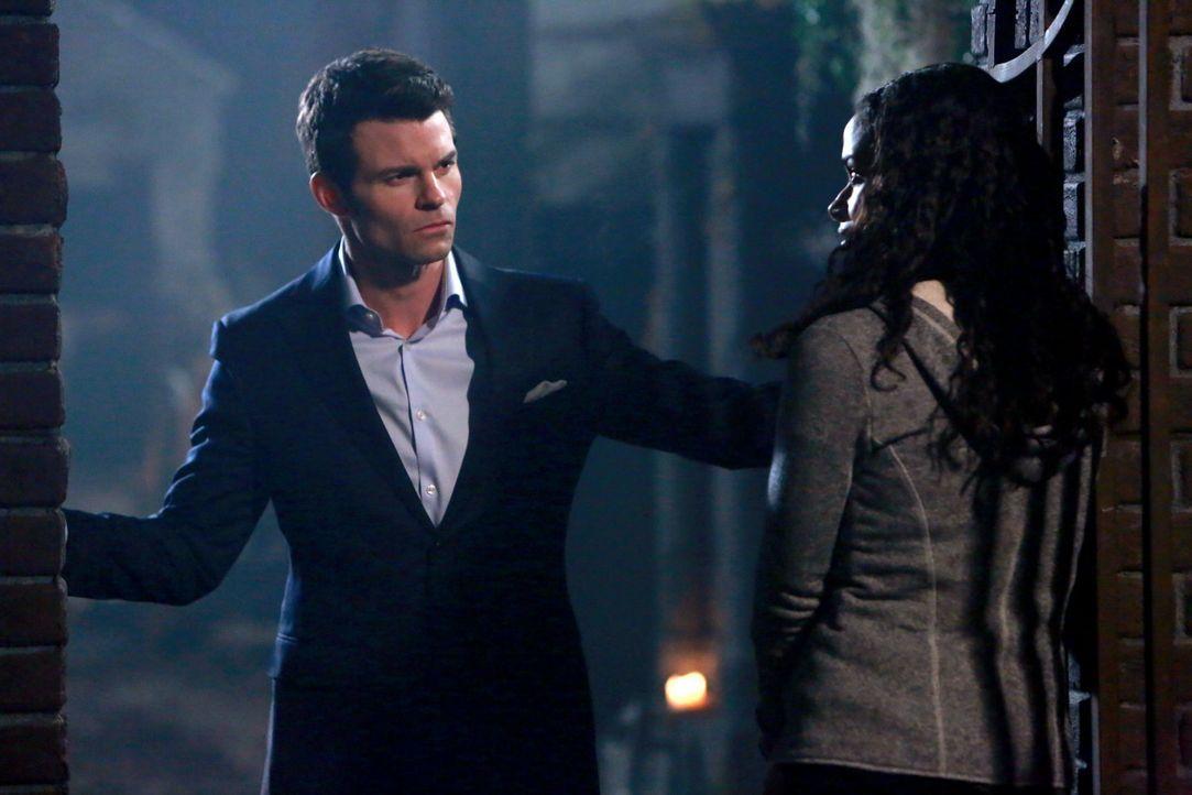 Elijah kann den Friedhof nicht verlassen - Bildquelle: Warner Bros. Entertainment Inc.