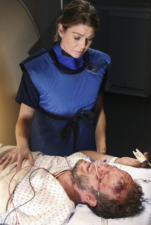 Kann Meredith (Ellen Pompeo, l.) das Leben von Chris (Christopher Redman, r.) retten und gibt es Hoffnung auf ein Wiedersehen mit seiner vermissten... - Bildquelle: ABC Studios