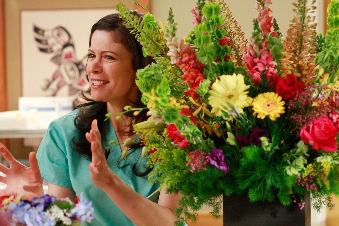 Findet gefallen an Derek: Schwester Rose (Lauren Stamile) ... - Bildquelle: Touchstone Television