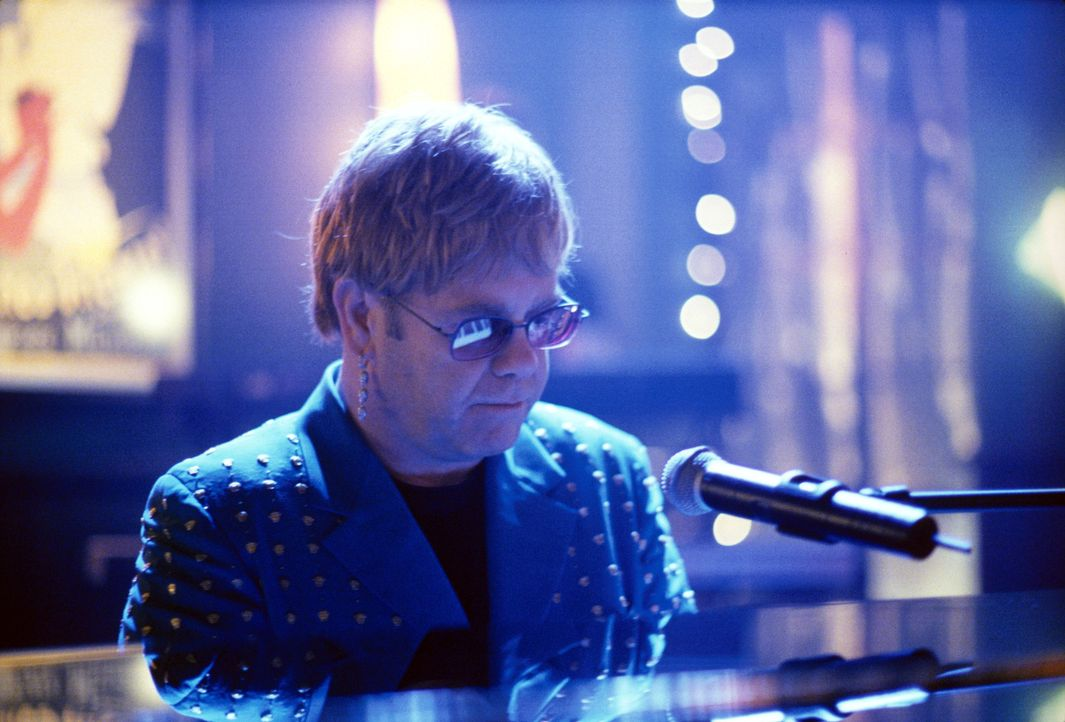 Nach einem anstrengenden Tag versuchen Ling und Nelle, in der Martini-Bar bei Musik von Elton John (Elton John) endlich mal abzuschalten ... - Bildquelle: 2001 Twentieth Century Fox Film Corporation. All rights reserved.