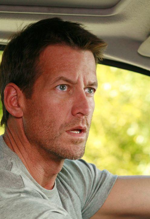 Ian fühlt sich und Susan von Mike (James Denton) verfolgt und als Mike ihn dann auch noch aus einem See rettet, schmiedet er einen perfiden Plan ... - Bildquelle: 2005 Touchstone Television  All Rights Reserved