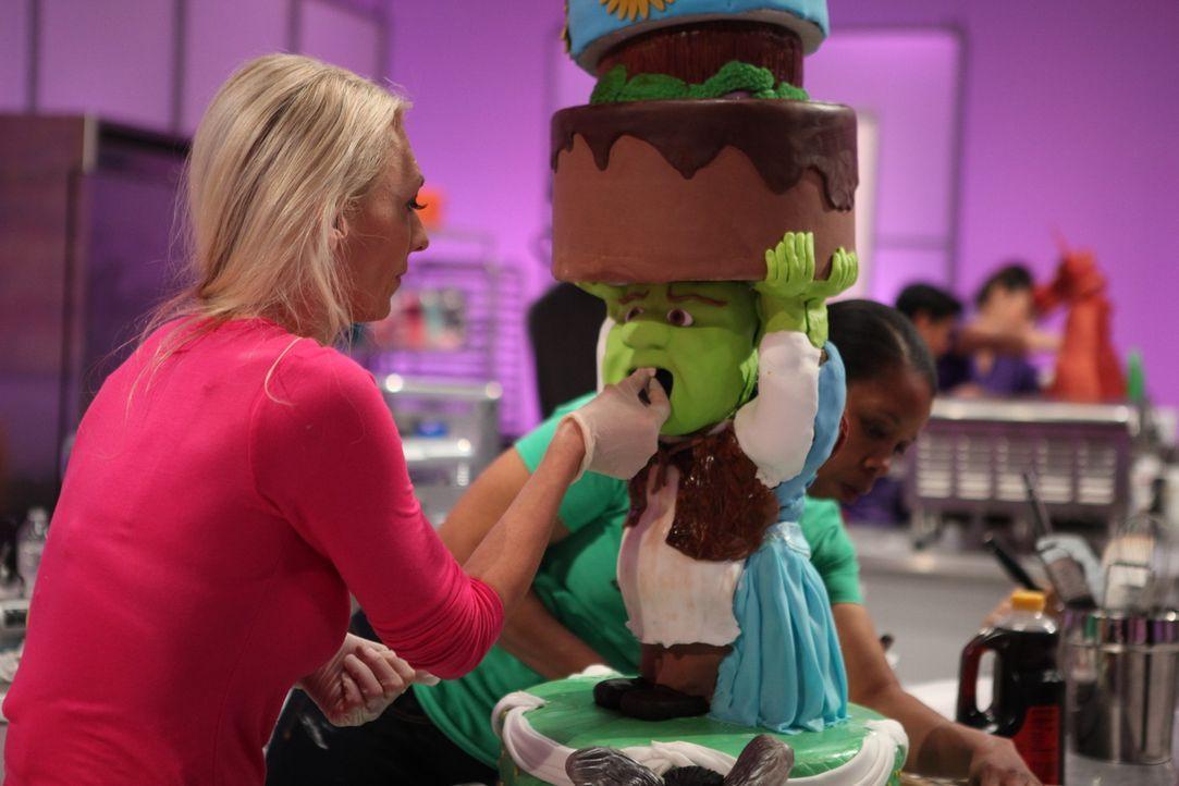 Bei der Buttermilch-Waffel-Torte von Juliana Evans soll nicht nur der Geschmack umhauen, auch beim Look achtet sie auf jedes noch so kleine Detail ... - Bildquelle: 2016,Television Food Network, G.P. All Rights Reserved