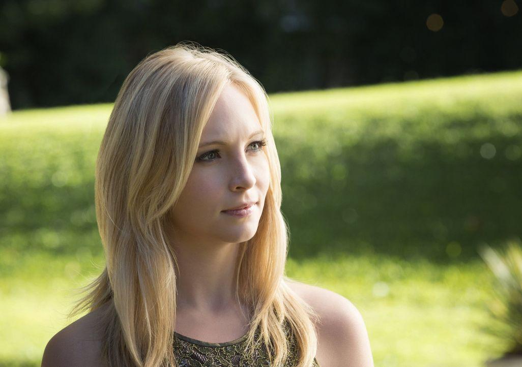 Alles wie immer: Caroline (Candice Accola) kümmert sich um die Party und alle ihre Freunde ... - Bildquelle: Warner Brothers