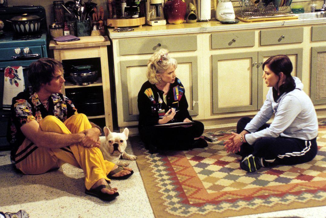 Als sich Michelles (Heather Stephens, r.) Antipathie gegenüber Betsy (2.v.l.) zuspitzt, sieht Eric (Niklaus Lange, l.) keinen anderen Ausweg mehr,... - Bildquelle: Paramount Television