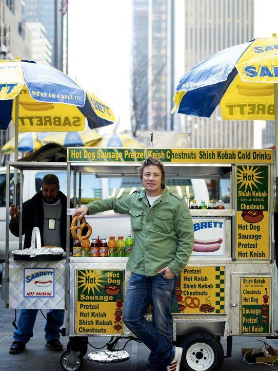 Zunächst geht es für Jamie auf Ein-Mann-Essensexpedition nach New York, um zu erforschen, ob hinter den großen schicken Restaurants noch eine and... - Bildquelle: David Loftus 2009