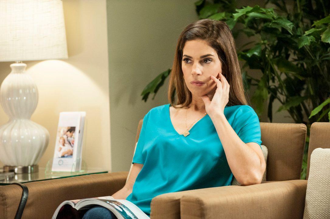 Begleitet Taylor in die Fruchtbarkeitsklinik: Marisol (Ana Ortiz) ... - Bildquelle: ABC Studios