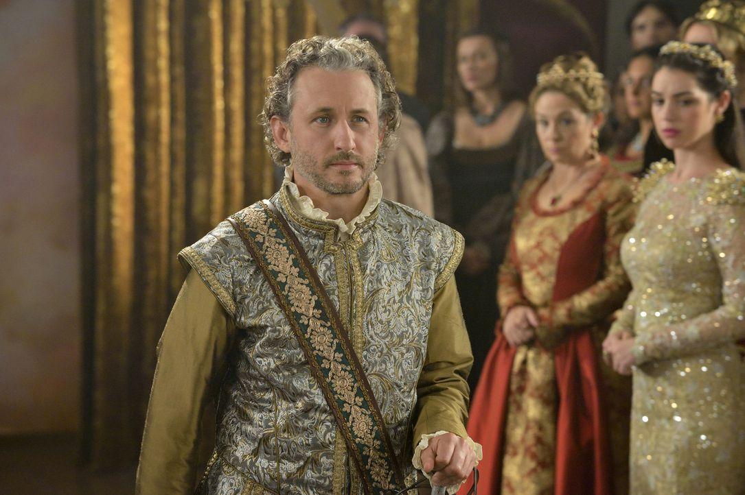 Lord Castleroy (Michael Therriault) hat ein gefährliches Geheimnis zu verbergen, wird das seiner Hochzeit mit Greer einen Stein in den Weg legen? - Bildquelle: Ben Mark Holzberg 2014 The CW Network, LLC. All rights reserved.