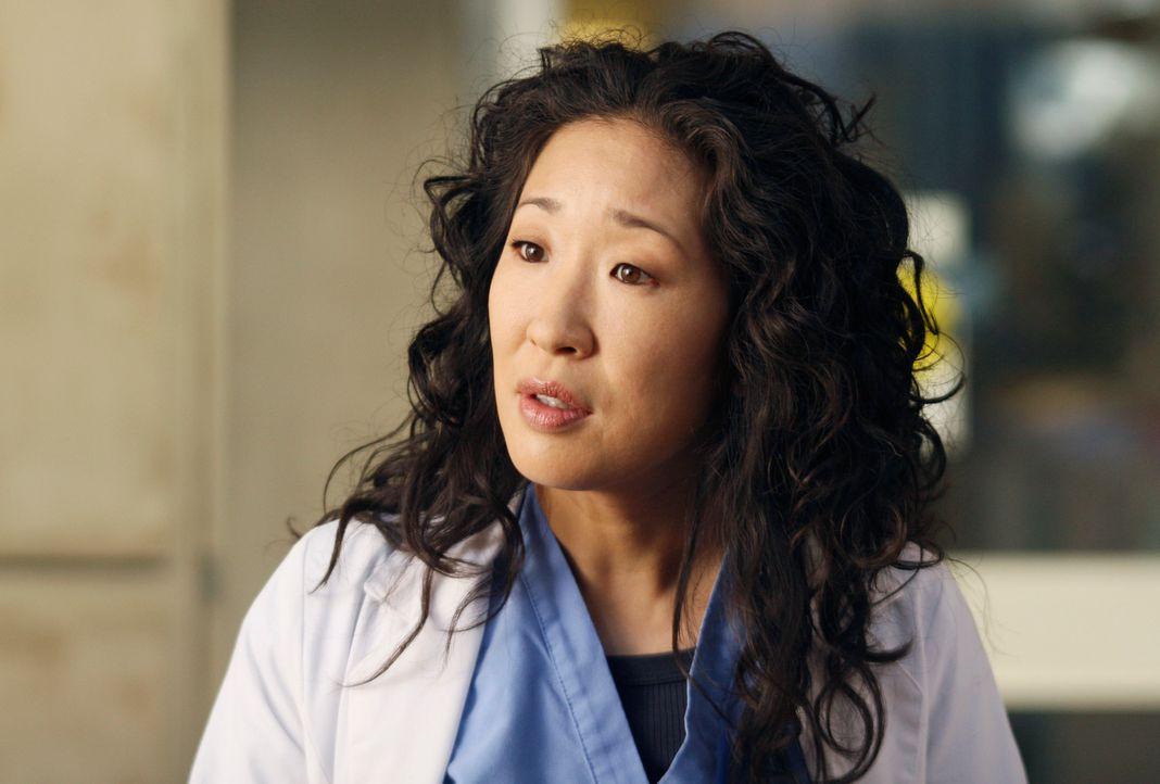 Cristina (Sandra Oh) rettet Meredith Mutter das Leben, als es zu einem Zwischenfall kommt ... - Bildquelle: Touchstone Television