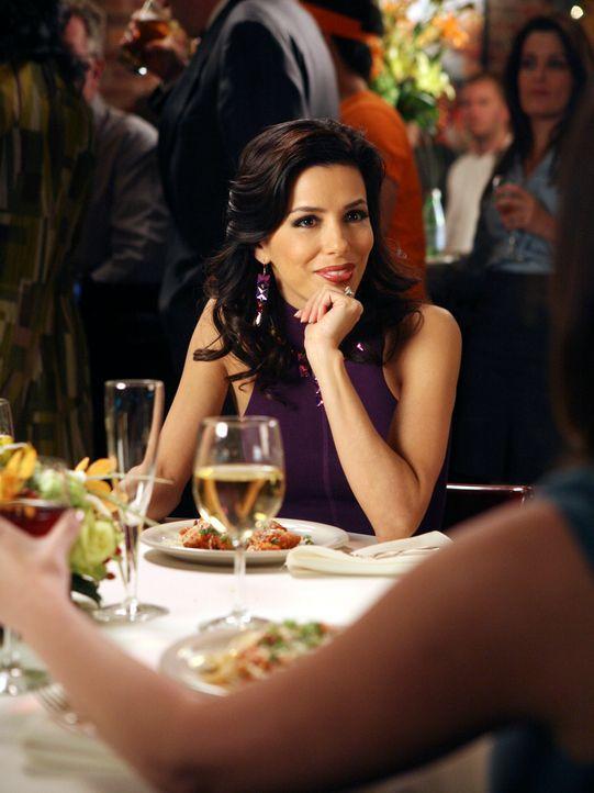 Gabrielles (Eva Longoria) Verlobungsfeier gerät in den Hintergrund, als sie erfährt, dass Edie und Carlos zusammen sind ... - Bildquelle: 2005 Touchstone Television  All Rights Reserved