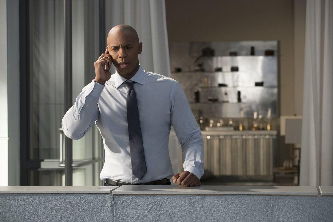 Wird sich James (Mehcad Brooks) wirklich auf etwas einlassen, dass seine Beziehung zu Lena für immer verändern könnte? - Bildquelle: 2017 Warner Bros.