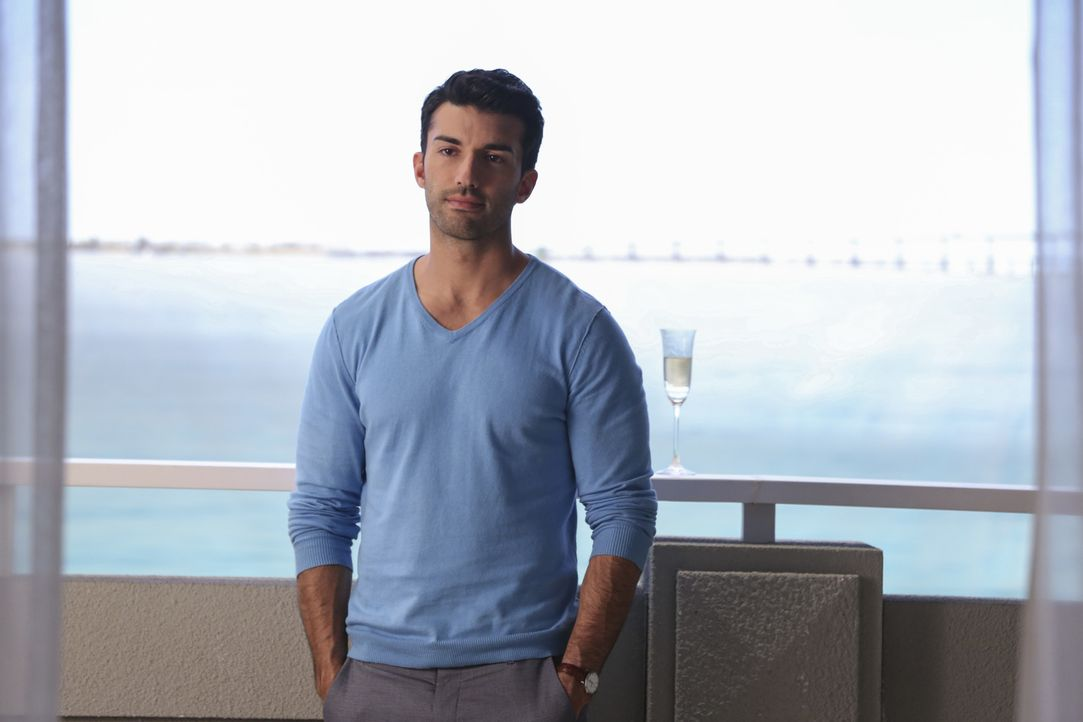 Bekommt dank seines Halbbruders Ärger: Rafael (Justin Baldoni) ... - Bildquelle: Michael Yarish 2016 The CW Network, LLC. All rights reserved.