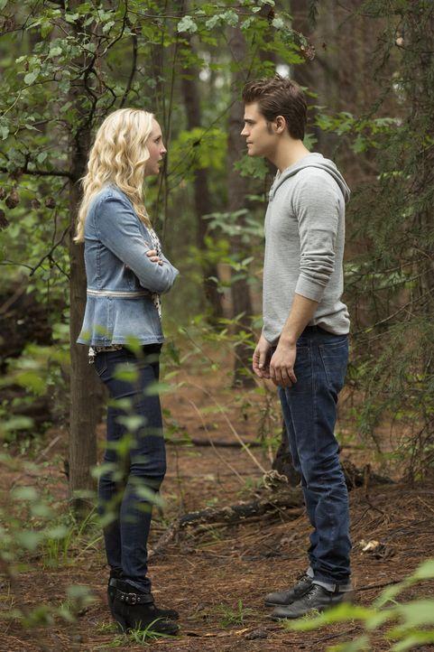 Caroline im Streit mit Stefan - Bildquelle: Warner Bros. Entertainment Inc.