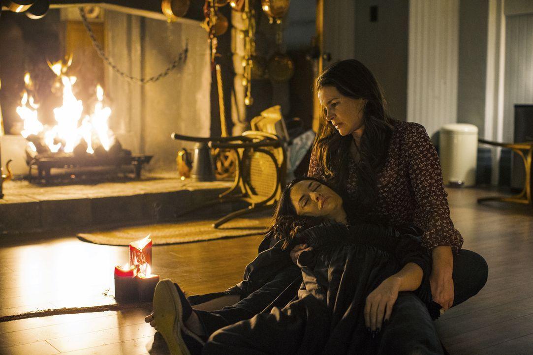 Muss sich Joanna (Julia Ormond, r.), nach der Rettung ihrer Kinder, wirklich für immer von ihrer Schwester Wendy (Mädchen Amick, l.) verabschieden? - Bildquelle: 20th Century Fox International Television