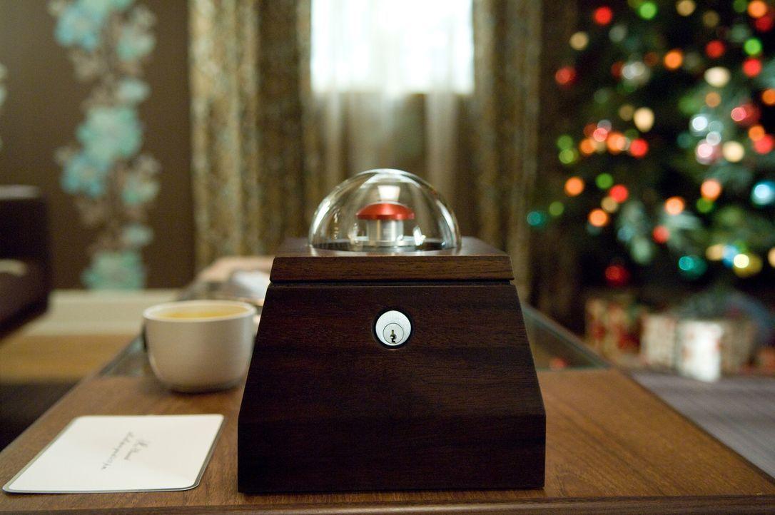 Drücken Norma und Arthur den roten Knopf, sind sie um eine Million Dollar reicher. Allerdings wird dadurch auch ein Mensch irgendwo auf der Welt ste... - Bildquelle: Constantin Film Verleih GmbH