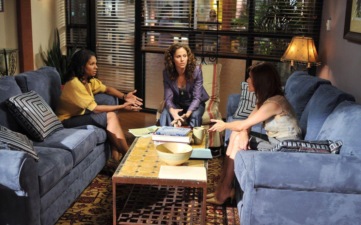 Haben nicht nur berufliche, sondern auch private Probleme: Naomi (Audra McDonald, l.), Violet (Amy Brenneman, M.) und Addison (Kate Walsh, r.) ... - Bildquelle: ABC Studios
