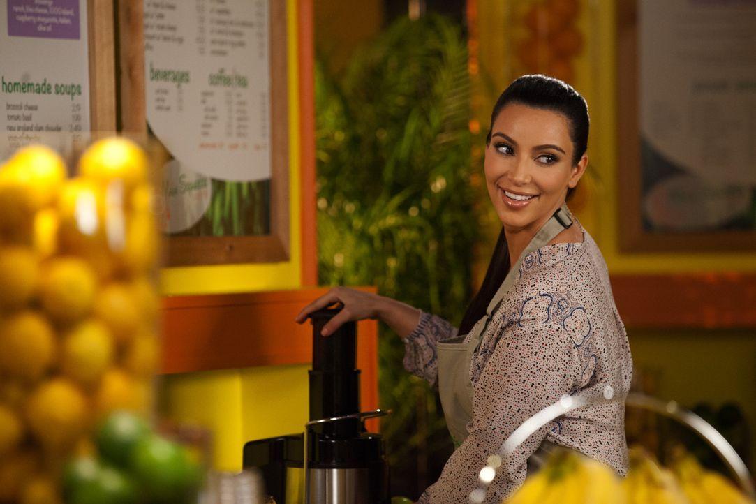 Kann Beziehungsguru Nikki LaPree (Kim Kardashian) Stacy dabei helfen, Fred zurückzuerobern? - Bildquelle: 2012 Sony Pictures Television Inc. All Rights Reserved.