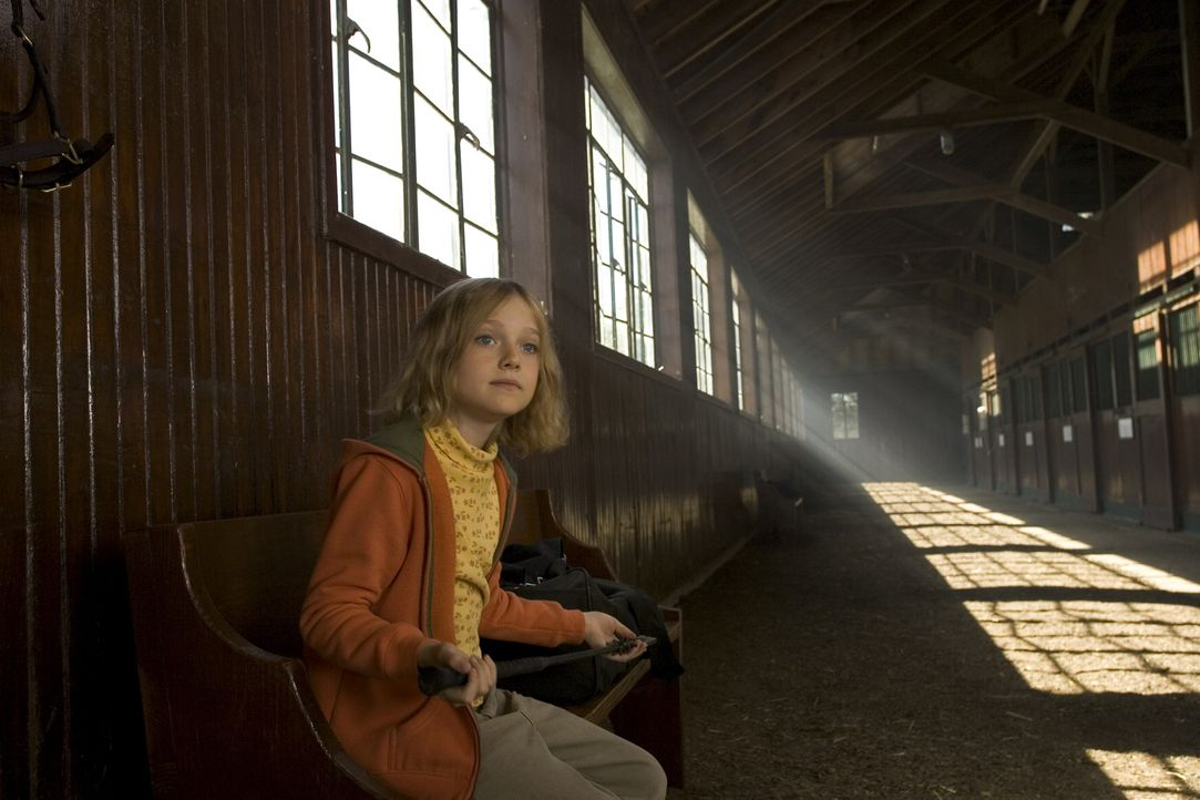 Die kleine Cale (Dakota Fanning) und ihr Vater sind riesige Pferdenarren. Aber die Familie hat bessere Tage gesehen: Während auf dem eigenen Gestü... - Bildquelle: Epsilon Motion Pictures