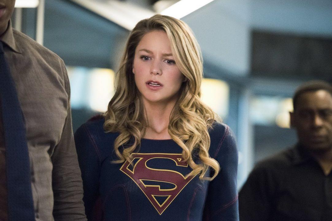 Eine Giftwelle breitet sich in der Stadt aus, doch Kara alias Supergirl (Melissa Benoist) und Imra können sich einfach nicht auf ein Vorgehen einige... - Bildquelle: 2017 Warner Bros.