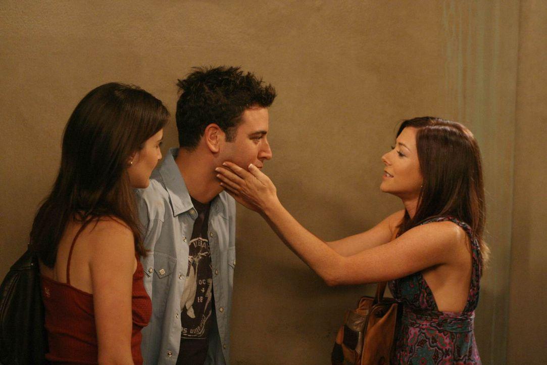 Lily (Alyson Hannigan, r.) ist wieder in New York und Robin (Cobie Smulders, l.) und Ted (Josh Radnor, M.) ünterstützen sie dabei, eine Wohnung zu f... - Bildquelle: 20th Century Fox International Television