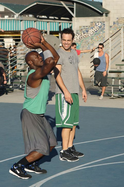 Wollen den Sieg: Cooper (Paul Adelstein, r.) und Sam (Taye Diggs, l.) ... - Bildquelle: ABC Studios