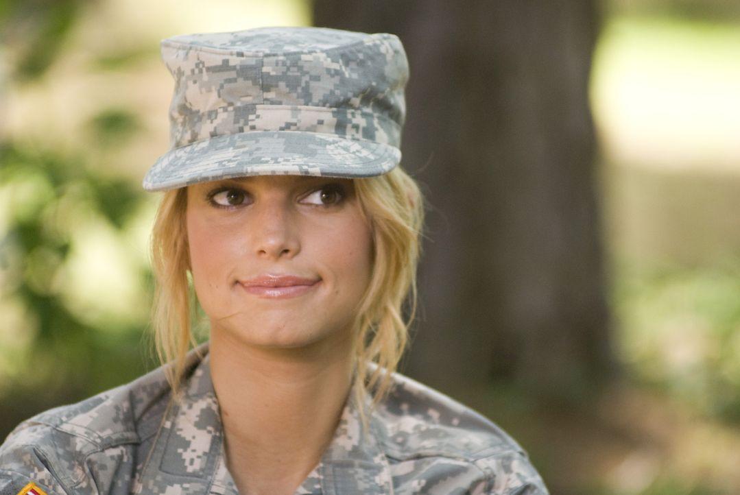 Das verwöhnte Hollywoodsternchen Megan Valentine (Jessica Simpson) will sein Leben grundlegend ändern. Ein Ausbildungsprogramm bei der U.S. Army sol... - Bildquelle: 2007 MAJOR PRODUCTIONS, INC.