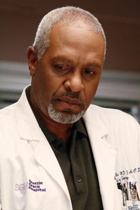 Richards Nichte Camille wird mit einem großen Tumor im Hals eingewiesen. Richard (James Pickens Jr.) muss feststellen, dass sich der Krebs im ganze... - Bildquelle: Touchstone Television
