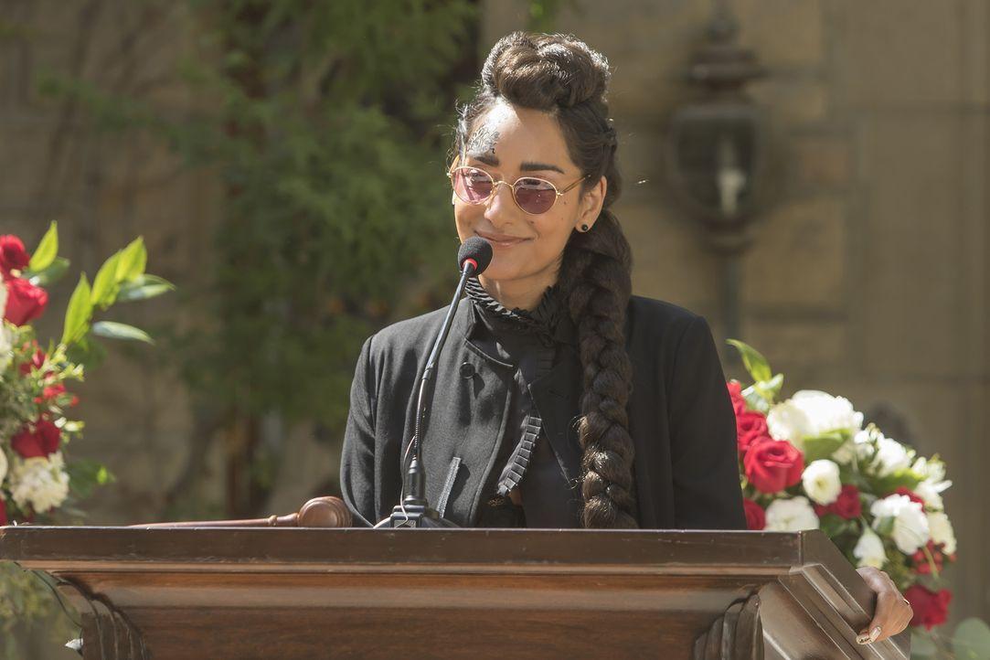 In ihrem Leben hat Kamilah (Rebecca Hazlewood, l.) immer Erfolg. Sie ist bei allen beliebt und egal was sie anpackt, es wird ein Erfolg. Kein Wunder... - Bildquelle: Ron Batzdorff 2016 Universal Television LLC. ALL RIGHTS RESERVED.