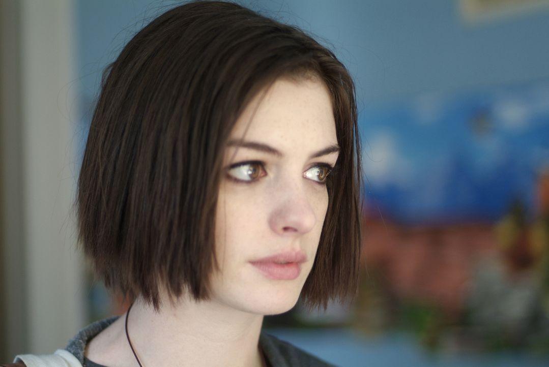 Trägt eine Menge angestaute Wut in sich, die sie auch an den Hochzeitsgästen auslässt: Rachel (Anne Hathaway) ... - Bildquelle: 2008 Sony Pictures Classics Inc. All Rights Reserved.