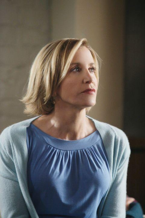 Während Angie sich über eine Nachbarin ärgert, die nicht einsieht, dass sie den Müll trennen soll, stellt sich Lynette (Felicity Huffman) die Sinnfr... - Bildquelle: ABC Studios