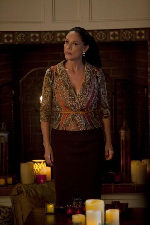 Gabriela (Sonia Braga) hat Noras Wohnzimmer in ein orientalisches Zelt verwandelt ... - Bildquelle: 2010 American Broadcasting Companies, Inc. All rights reserved.