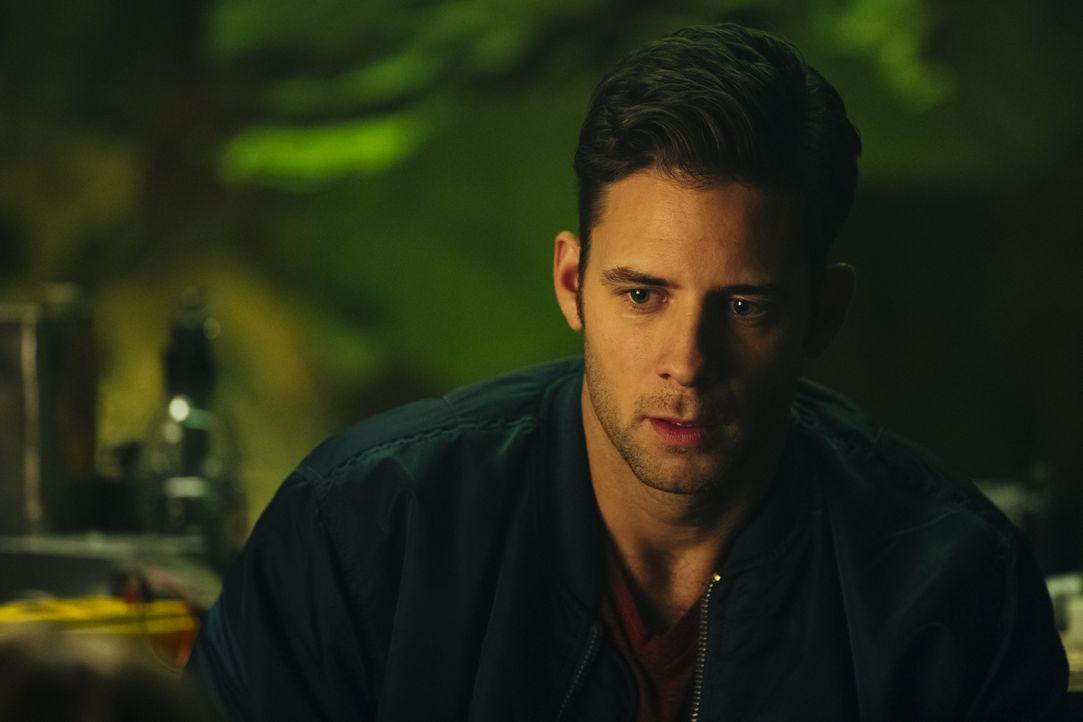 Nick (Steve Lund) versucht mit allen Mitteln, Rachel und Rocco zu beschützen, doch brauchen diese seine Hilfe überhaupt? - Bildquelle: 2016 She-Wolf Season 3 Productions Inc.