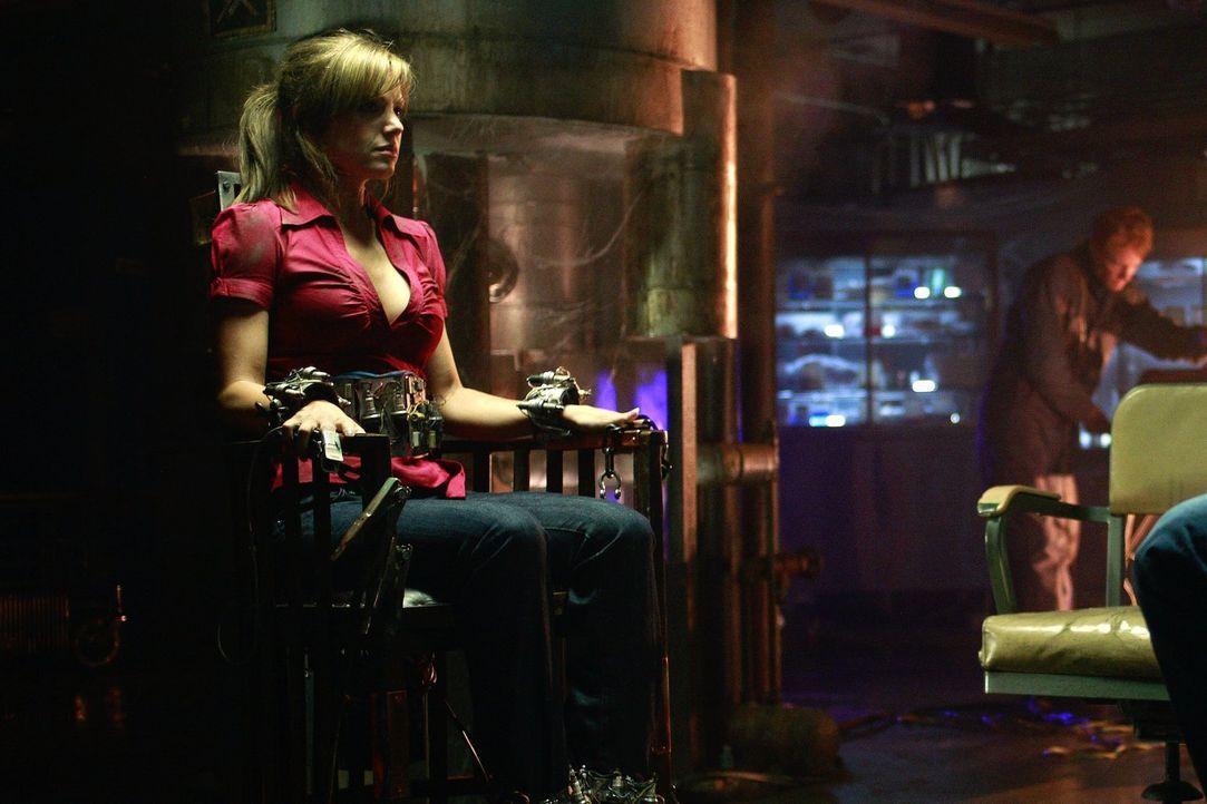 Weil sie sich als Paar ausgegeben haben, wurden sie zum Ziel eines psychopatischen Entführers: Clark und Lois (Erica Durance) sind in Gefahr ... - Bildquelle: Warner Bros.