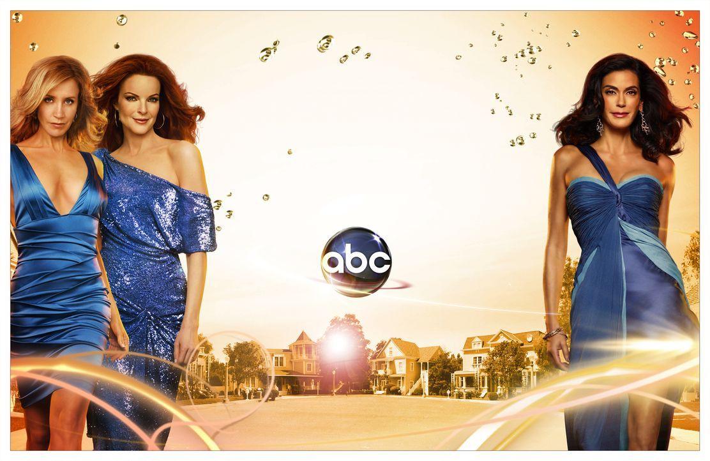 (4. Staffel) - Spielen perfekte Hausfrauen, doch hinter der Fassade ereignen sich Dramen: Lynette Scavo (Felicity Huffman,l.), Bree Hodge (Marcia Cr... - Bildquelle: ABC Studios