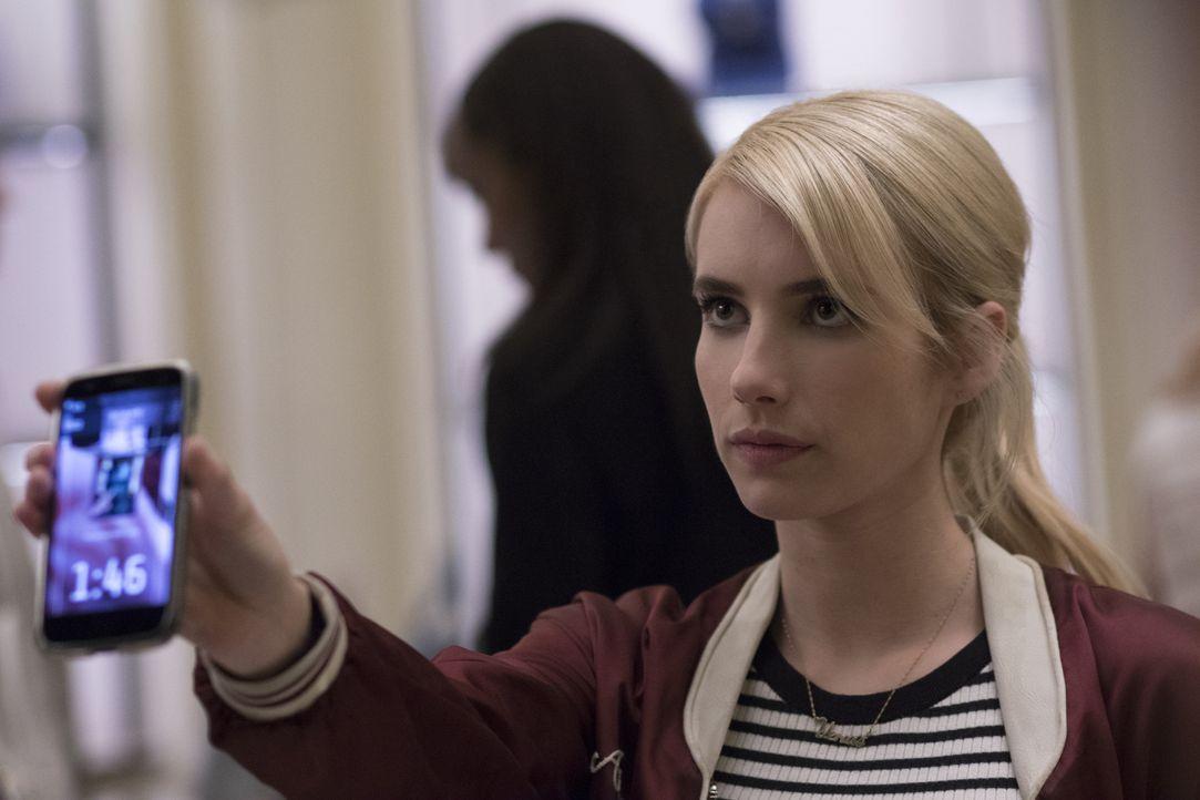 Als sich Vee (Emma Roberts) dazu entschließt, in ihrem Leben mal etwas zu wagen und sich als Playerbei dem online Spiel Nerve anmeldet, ahnt sie nic... - Bildquelle: 2016 Lions Gate Entertainment Inc. All Rights Reserved.