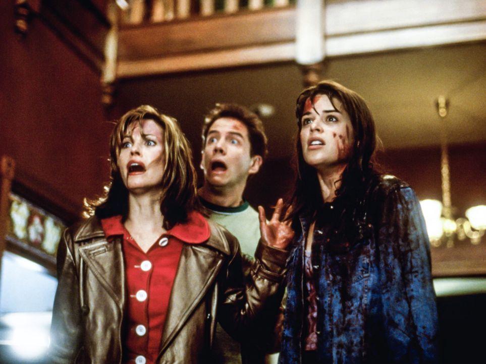 (v.l.n.r.) Gale Weathers (Courteney Cox), Randy (Jamie Kennedy) und Sidney (Neve Campbell) - Bildquelle: 1996 Miramax, LLC. All Rights Reserved.
