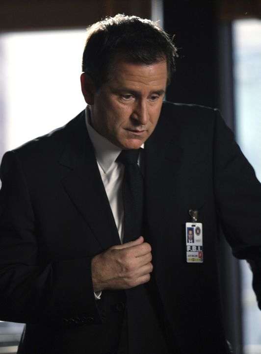 Das FBI-Team um Jack Malone (Anthony LaPaglia) arbeitet an einem neuen Fall ... - Bildquelle: Warner Bros. Entertainment Inc.