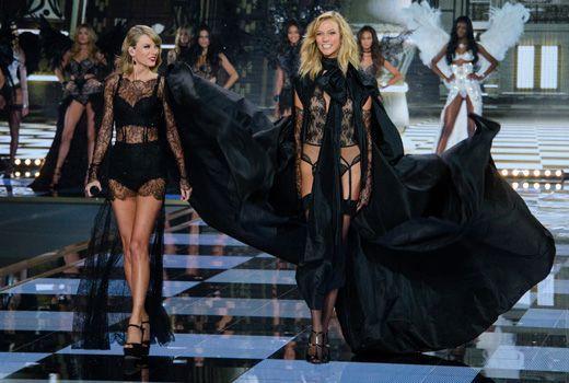 Karlie Kloss und Taylor Swift 2 - Bildquelle: WENN.com