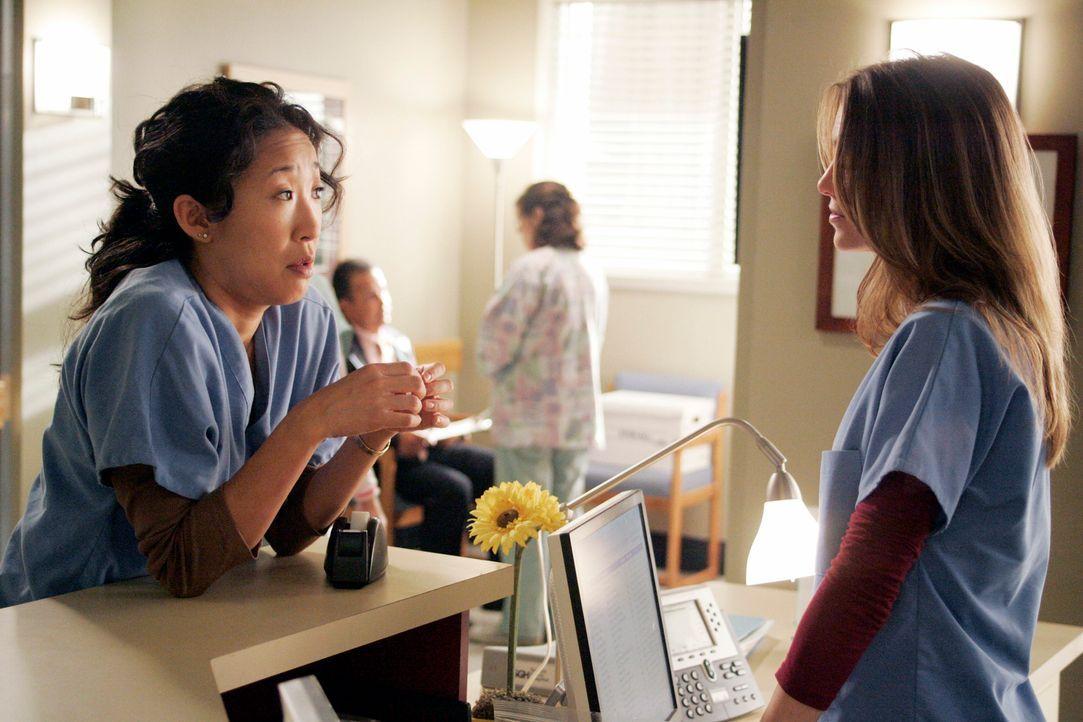 Während Cristina (Sandra Oh, l.) auf Burkes Eltern trifft, versucht sich Meredith (Ellen Pompeo, r.) zwischen Derek und Finn zu entscheiden ... - Bildquelle: Touchstone Television