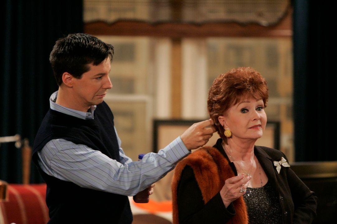 Wird es Jack (Sean Hayes, l.) schaffen, dass sich Grace und ihre Mutter Bobbi (Debbie Reynolds, r.) wieder besser verstehen? - Bildquelle: NBC Productions