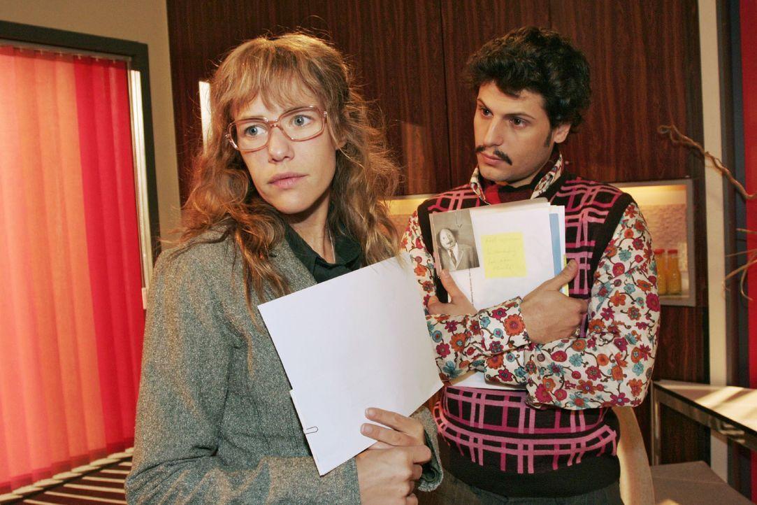 Lisa (Alexandra Neldel, l.) stellt fest, dass Rokko (Manuel Cortez, r.) sich professionell verhält und Berufliches von Privatem zu trennen weiß. (Di... - Bildquelle: Noreen Flynn SAT.1 / Noreen Flynn
