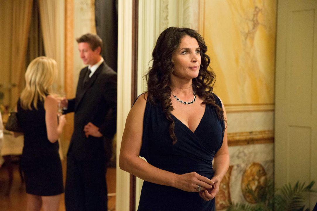 Die Verlobungsparty ihrer Tochter ist in vollem Gange und Joanna (Julia Ormond) hofft sehr, dass Freya glücklich wird ... - Bildquelle: 2013 Twentieth Century Fox Film Corporation. All rights reserved.