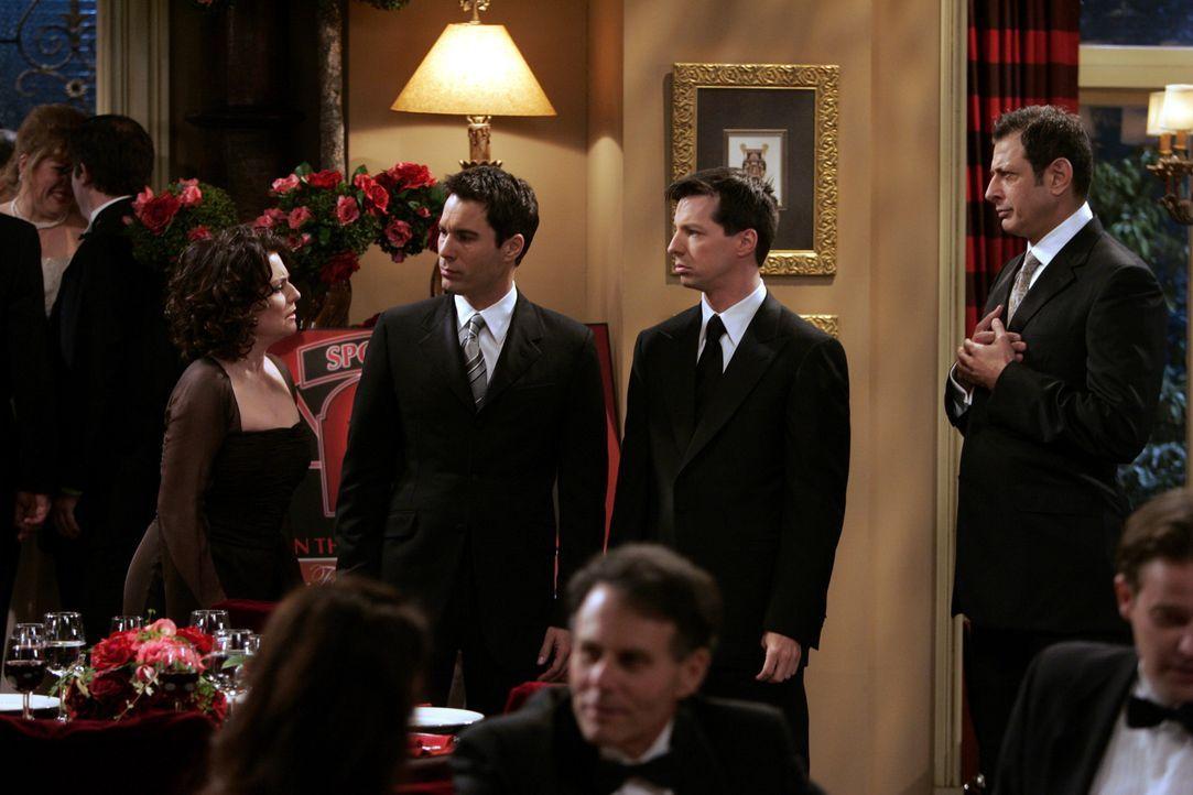 Will (Eric McCormack, 2.v.l.) und Jack (Sean Hayes, 2.v.r.) müssen mit ansehen, wie Karen (Megan Mullally, l.) ihren Erzfeind Scott Woolley (Jeff G... - Bildquelle: NBC Productions