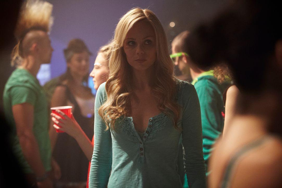 Um Scott Brandon aufzuspüren, muss sich Elena (Laura Vandervoort, M.) voll und ganz auf ihre ungeliebten Werwolf-Instinkte verlassen ... - Bildquelle: 2014 She-Wolf Season 1 Productions Inc.