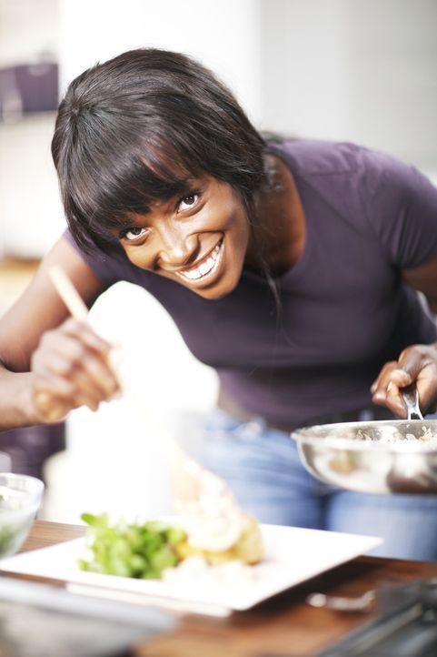 Mit originellen Ideen, modernen Lebensmitteln und Einflüssen aus allen Ecken der Welt zaubert Lorraine Pascale Gerichte mit dem WOW-Effekt ... - Bildquelle: Myles New