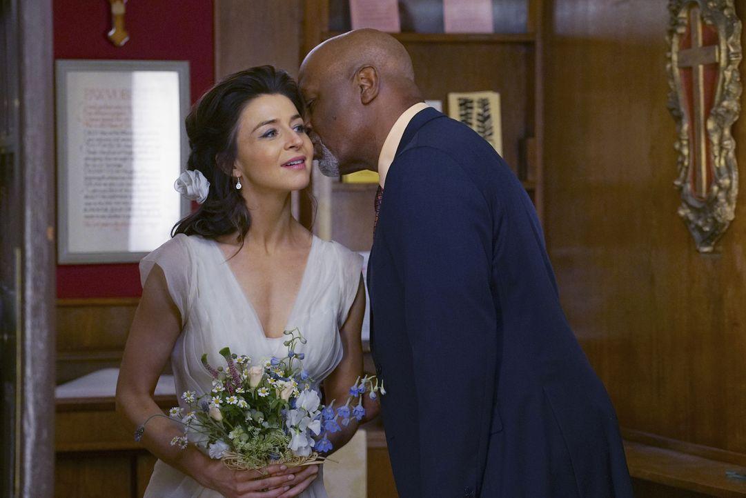 Webber (James Pickens Jr., r.) steht Amelia (Caterina Scorsone, l.) zur Seite. Doch kann er sie vom Weglaufen abhalten? - Bildquelle: Byron Cohen ABC Studios