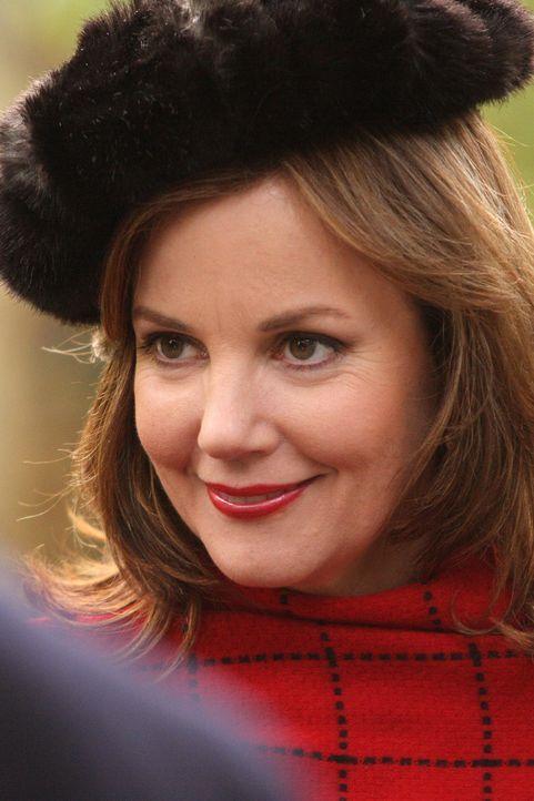 Blairs Mutter Eleanor (Margaret Colin) ist mehr als überrascht, als ihr Ex-Mann mit seinem neuen Freund in der Stadt auftaucht ... - Bildquelle: Warner Brothers
