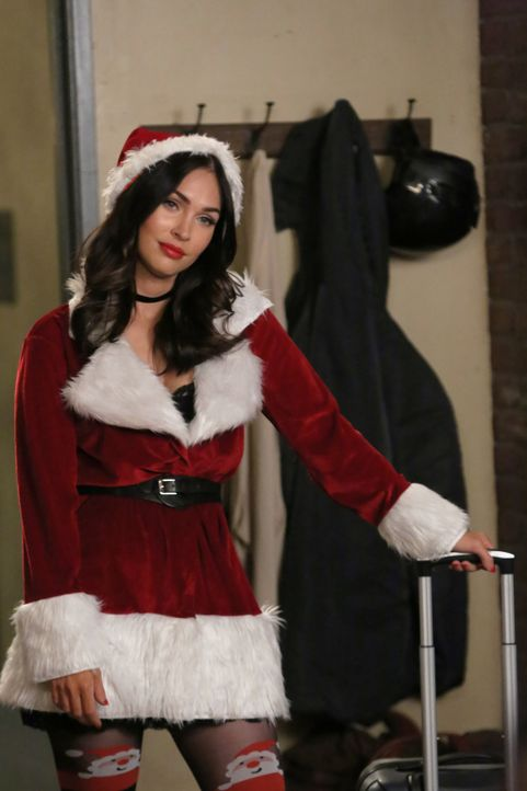 Lässt sich Reagan (Megan Fox) tatsächlich für eine Weihnachtsüberraschung einspannen? - Bildquelle: 2017 Fox and its related entities.  All rights reserved.