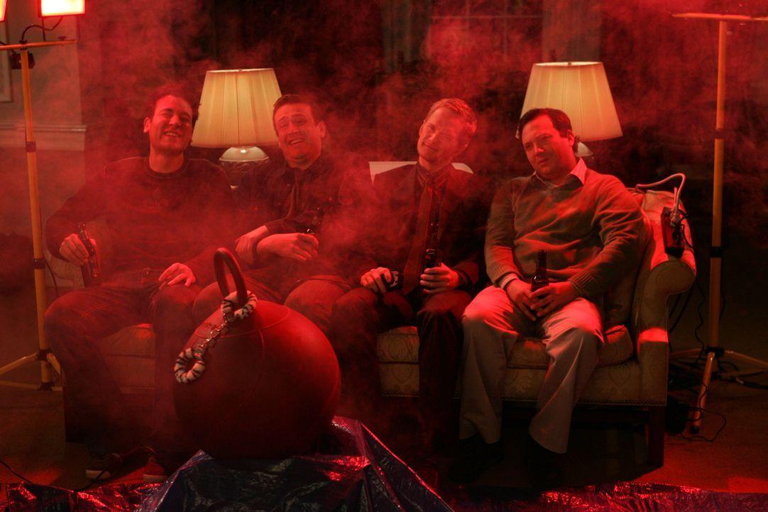 In Atlantic City erwartet die Freunde eine heiße Überraschung: Ted (Josh Radnor, l.), Marshall (Jason Segel, 2.v.l.), Barney (Neil Patrick Harris, 2... - Bildquelle: Monty Brinton 20th Century Fox International Television