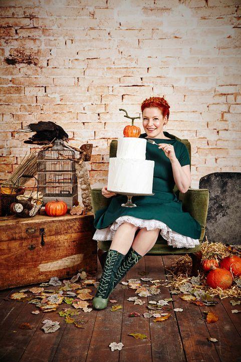 Süßes anstatt Saures: Egal ob Meringue-Knochen oder Apfelgebisse mit Marshmallows und Mandeln, Enie kennt die besten Rezepte für Halloween ... - Bildquelle: Marc Rehbeck sixx